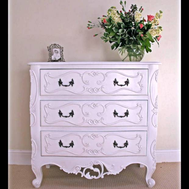 French 3 Drawer Chateau Ches