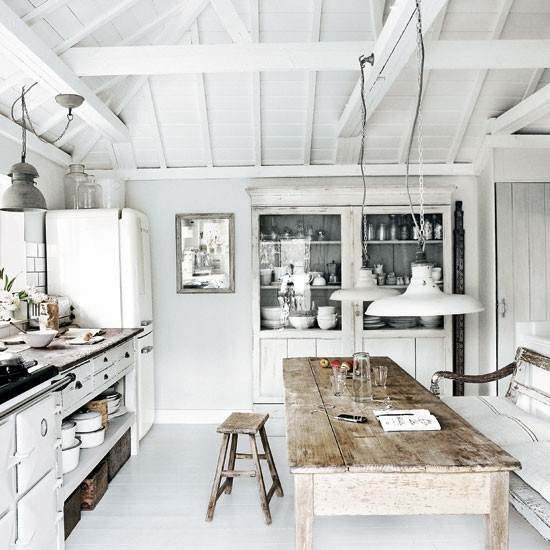 White-washed-beach-house-kitchen-Modern-Livingetc