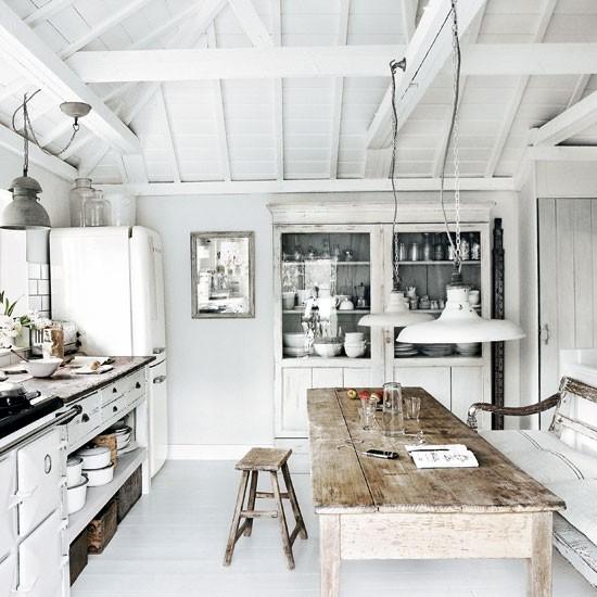 White-washed-beach-house-kitchen-Modern-Livingetc